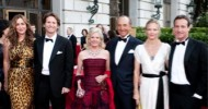 Dede Wilsey (in Oscar de la Renta) with her family at the San Francisco Opera Ball, September 2009, (l to r): Alexis Traina, Trevor Traina, Dede Wilsey, John Traina (her former husband), Katie Traina, Todd Traina